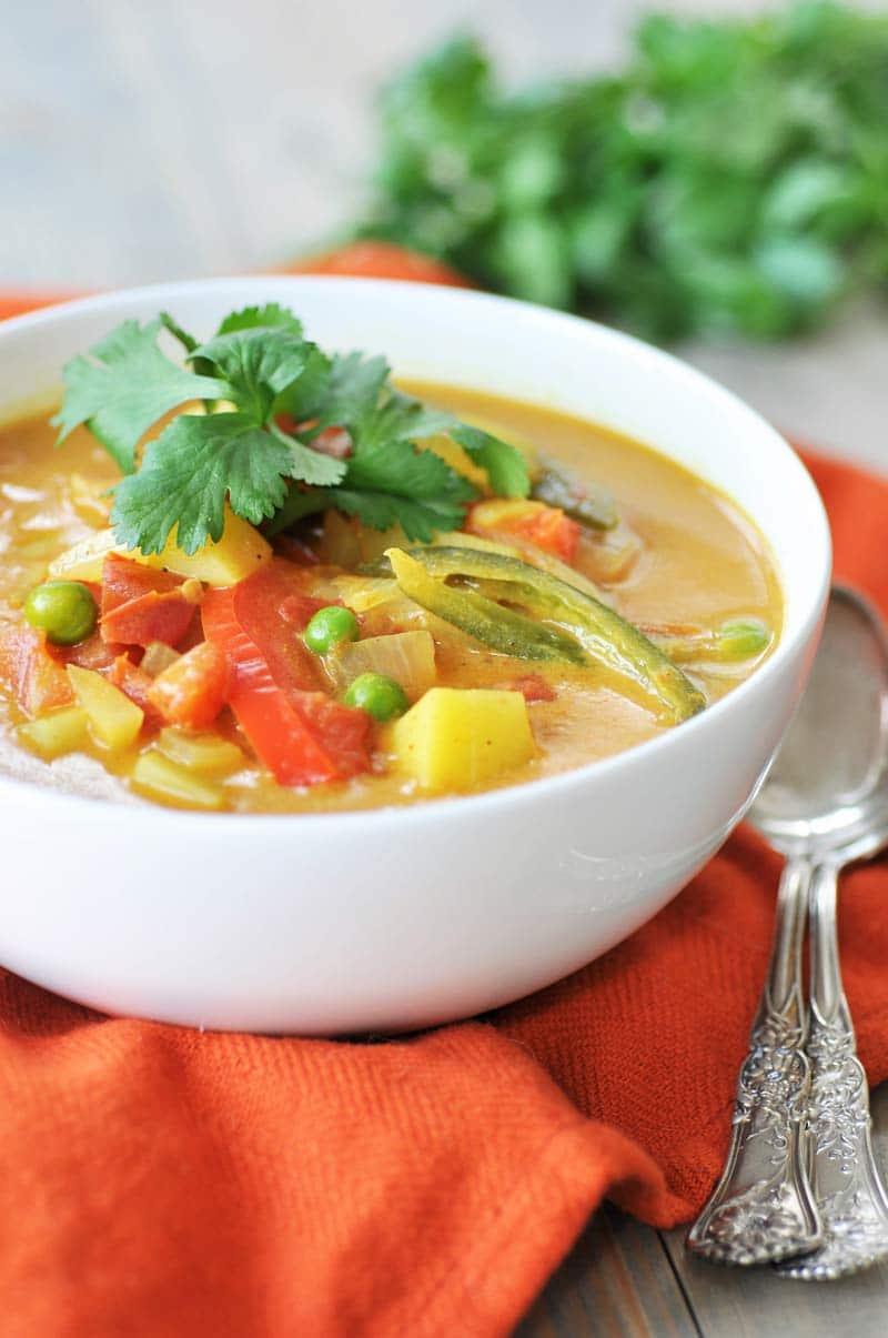Homemade-Yellow-Curry-Potato-Soup