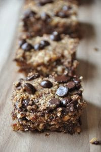 Homemade vegan and gluten-free protein bars. Perfect for breakfast.