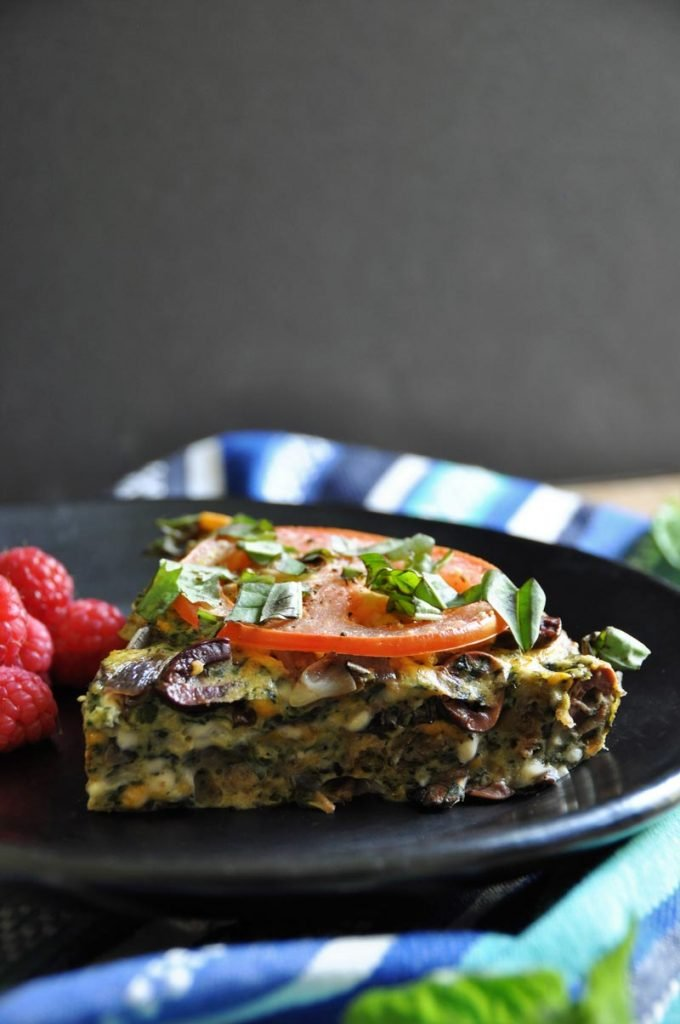 Easy and delicious vegan frittata! Made with veggies and herbs.