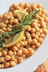 Homemade chickpeas with lemon and rosemary make a great side dish or a protein packed meal!
