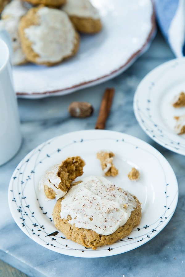 apple oat cookies on bird plates with cinnamon, nutmeg, and frosting